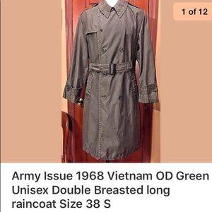 Vietnam 1968 vintage army issue raincoat 38 S EUC